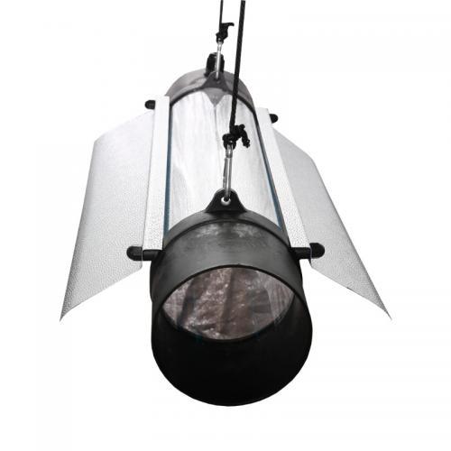 Светильник PROTUBE 125 L - Отражатель выполнен из светотехнического алюминия, что обеспечивает отличное распределение и рассеивание света.