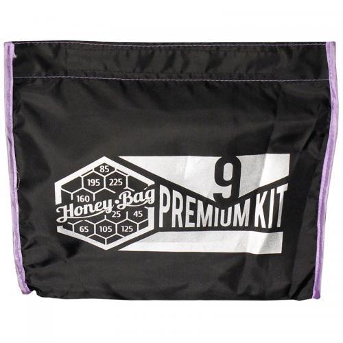 Honey-Bag Premium 9x25L мешки для экстракции Самый полный набор мешков Honey-Bag Premium KIT9 25L для ледяной экстракции смол и кристаллов с растений и цветов состоит из 9 мешков по 25 литров: одного рабочего, с размером ячеек сетки 225 микрон и восьми мешков-фильтров с сеткой 195,160,105,125,85,65,45 и 25 микрон. Улучшенная конструкция мешка, за счет боковых сетчатых вставок, позволяет производить фильтрацию до 4 раз быстрее! Для удобства работы мешки снабжены специальным ручками. Мешки ice-bag выполнены из не пропускающей воду высокопрочной синтетической ткани со специальным покрытием. Фильтрующее дно из сетки швейцарского производителя точных микронных сит NanoLABWeave имеет высокую механическую прочность. Благодаря технологии плетения синтетических волокон с повышенной фиксацией нити, делает сито устойчивым к разрывам и растяжению.