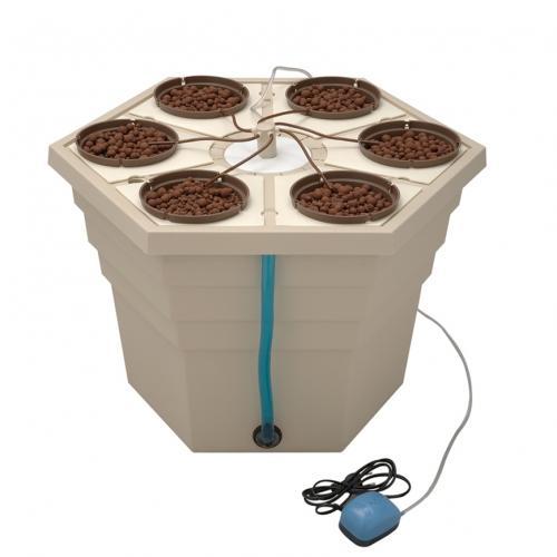 Гидропонная система капельного полива EcoGrower Max GHE  Посадочных мест - 6. Диаметр горшочка - 15 см. Обогощенный кислородом раствор подается через воздушнаю колонну к каждому горшочку. Возможность замены модулей под разные размеры горшочков.