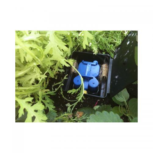 Aquabox Straight Система может использоваться в протяженных грядках шириной до 40 см и длинной до 20 и более метров. Разумеется, для таких протяженных коммуникаций требуется связать в цепь несколько Aquabox Straight, каждый из которых эффективен на протяженности 1 метр. Концы капиллярных фитилей следует заводить в каждый последующий Aquabox Straight.