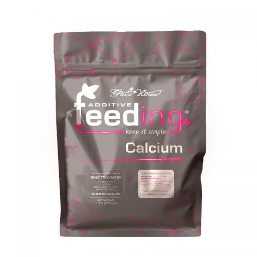 Powder Feeding Calcium 0,5 kg Данный продукт служит необходимой добавкой, когда уровень кальция в используемой воде ниже рекомендованного.